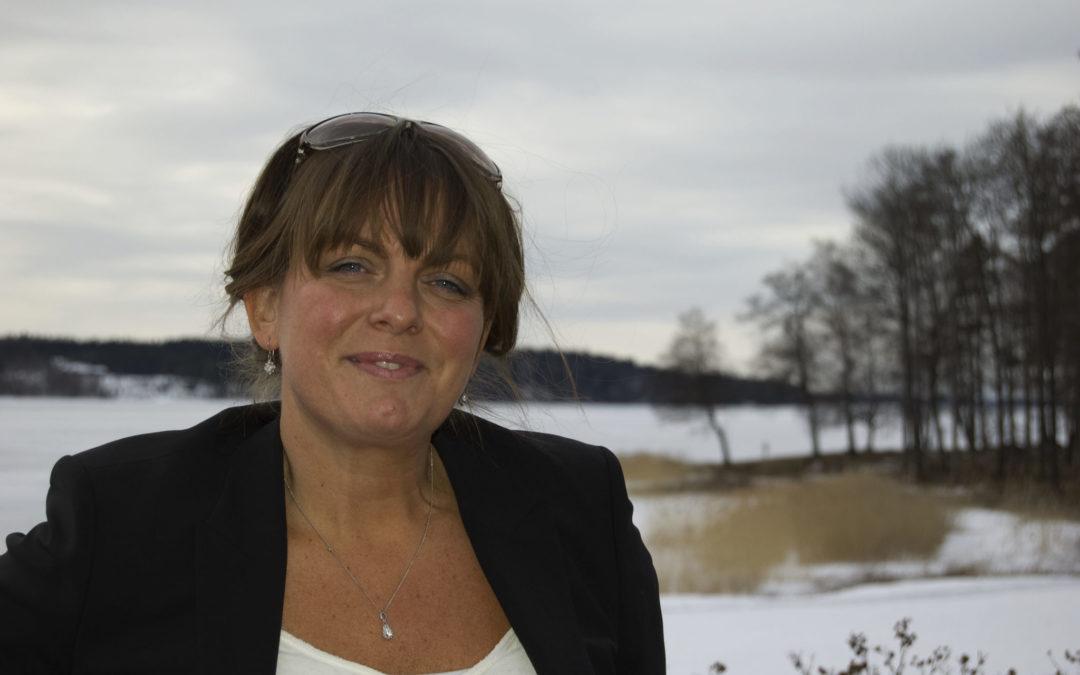 Hon skriver om det vi inte vill veta – Katarina Wennstam återvänder till Kaggeholm
