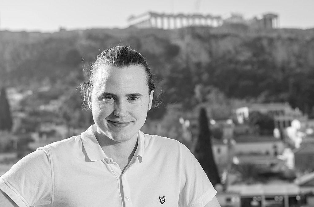 Ettan-bilder, ledarkrönika och vårdhästar – Anders praktiserar på en lokaltidning i Norra Stockholm