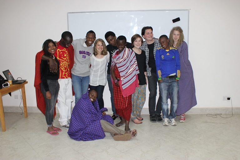 Följ Bibel Kreativs äventyr i Tanzania!