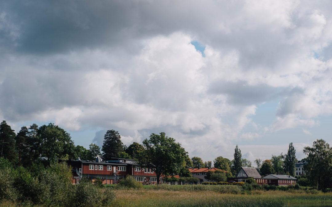 Sisyfogruppen köper Kaggeholms slottsområde av Pingströrelsen