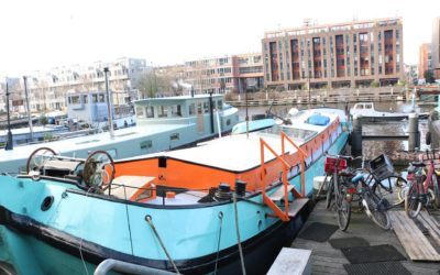 En dag i husbåtarnas paradis – från reportageresan i Amsterdam
