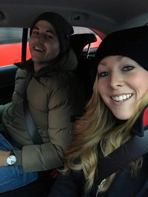 Reportageresa medietvåorna – följ med Jonas och Victoria på politisk demonstration i Belgrad