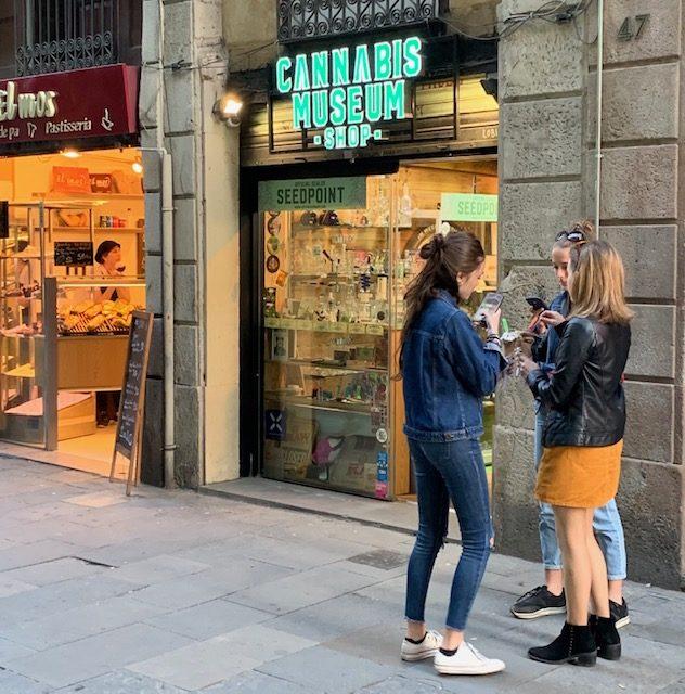 """Reportageresa Barcelona – """"Det nya Amsterdam"""", Jessica gör jobb om de lagliga cannabisklubbarna"""