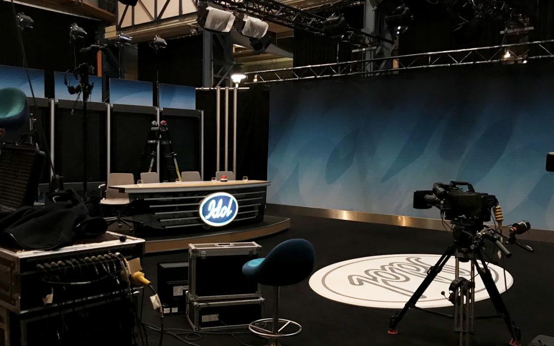 Sista inspelningsdagen – följ Jonas som produktionsassistent på Idol