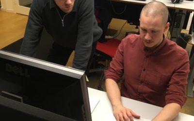 Praktikbloggen – puffar och redigering – följ Johannes på tidningen Dagen
