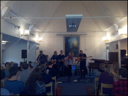 Spelglädje och inspiration när Camaron Ochs besökte Kaggeholms musiklinje