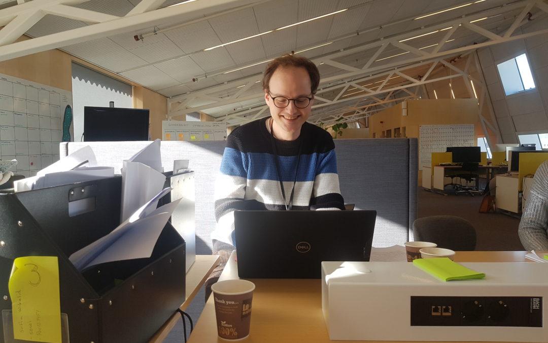 """Fjortonde dagen av fjorton veckor – Peter praktiserar på """"Orka plugga""""-redaktionen"""