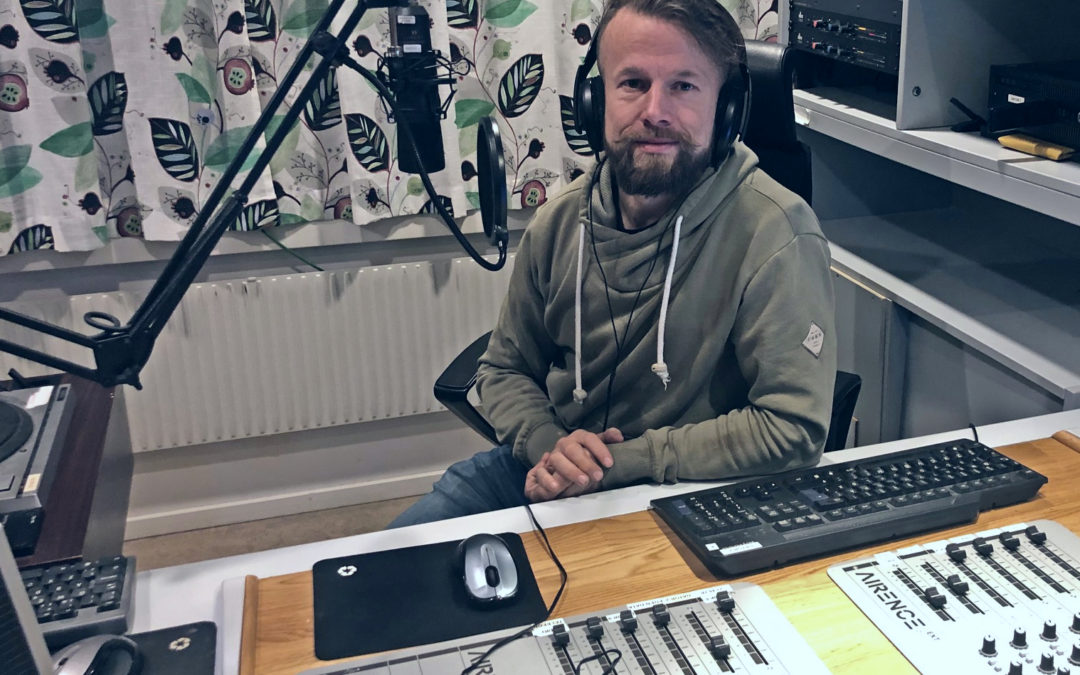Bakom spakarna – följ Jonas på radiopraktiken