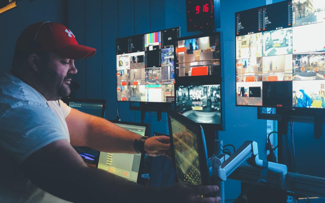 Praktikbloggen – Simeon om utmaningarna som sändningsproducent på SVT